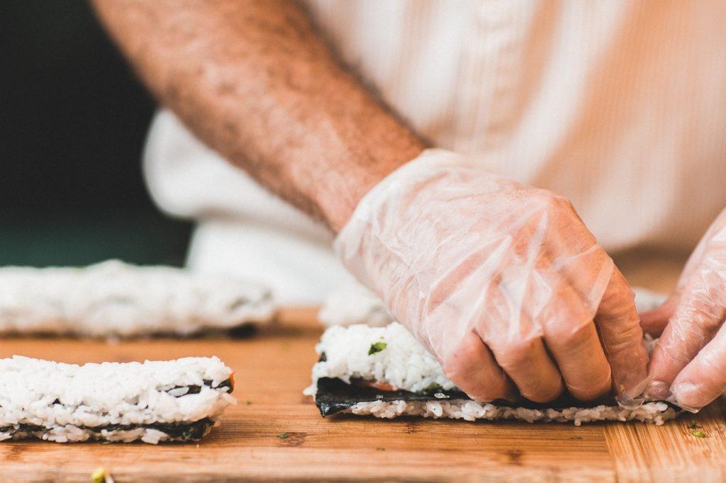 שף מגלגל סושי